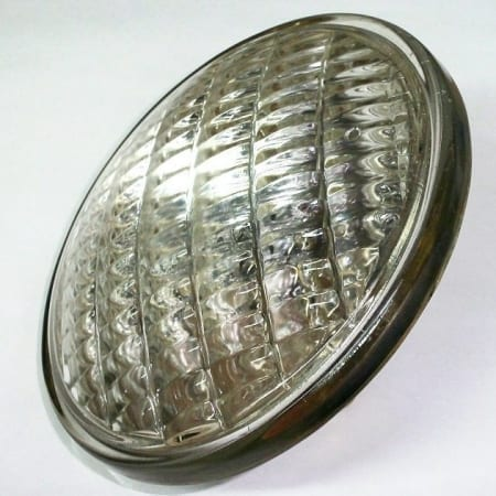 12 Volt Sealed Beam Light Bulb (High Beam)